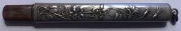 Porte Crayon Probablement En Argent. Motif Floral Art Nouveau. 87 Mm - Argenterie