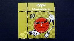 Island 1118 **/mnh, Schallplatte In Hülle Mit Rock'n'Roll-Tanzpaar, Cadillac Und Gibson-Gitarre - 1944-... Republik