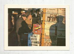 Cp , 17 X 12 , Photographie De Benoit Perrin , 75 ,Paris , Nouvelles Du Soir , Vierge , 1980, Ed Des Trois Cloches N° 5 - Fotografia