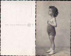 Tutti I Bambini  Sono Belli - Piripuccia Pronta Per Il Bagno - - Portraits