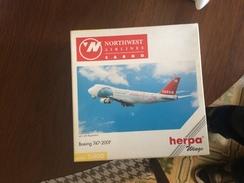 Herpa 1:400 Northwest Cargo Boeing 747 - Model Making
