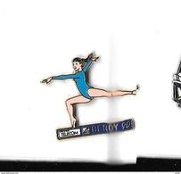 Pin's  Doré  FRANCE  TELECOM, Sport  Gymnastique  Féminine  BERCY  1990  Signé  ARTHUS  BERTRAND - France Telecom