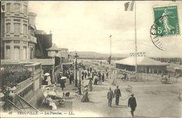 TROUVILLE --  Les Planches                       -- LL 46 - Trouville