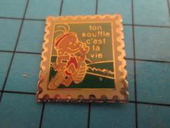Pin912d  Pin's Pins / Rare Et De Belle Qualité POSTE / TIMBRE-POSTE TON SOUFFLE C'EST TA VIE - Mail Services