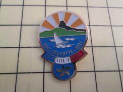 Pin1117  Pin's Pins / Rare , Belle Qualité BATEAUX / VOILE VOILIER MAYOTTE LA PETITE FRANCE 1841 1991 - Boats