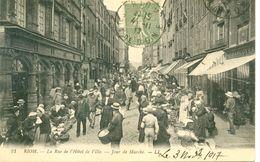 TOP RIOM (63) - LE TAMBOUR DE VILLE JOUR DE MARCHE EN 1917 - A23 Eb - Riom