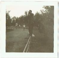 Foto/Photo. Photographe Photographié Au Meli Park  En 1960. - Lieux
