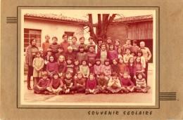 LAGUPIE . PHOTO DE CLASSE . CLASSES De  Mme & M. REICH. - Photographs