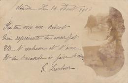 """Carte Montage Photographique Appellé """"Noirot"""" Jeune Fille Sur Fond Marbré, Avec Rue De Macon Au Fond - Circ 1900 - Macon"""