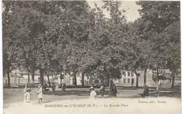 BORDERES-SUR-ECHEZ-la Grande Place - Francia