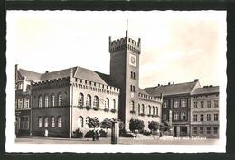 AK Neustettin, Marktplatz Mit Rathaus - Pommern