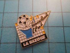 Pin513g Pin's Pins : Rare Et Belle Qualité : HAND-BALL CLUB LA BAZOGE - Handball