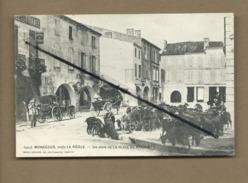 CPA - Monségur , Près La Réole  - Un Coin De La Place Du Marché - France