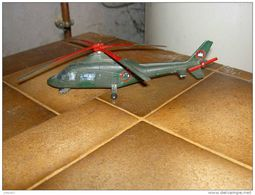 Hélicoptère Agusta 109, - Tanks