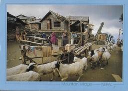 NEPAL - MOUNTAIN VILLAGE - VIAGGIATA 1992 FRANCOBOLLO ASPORTATO - Nepal