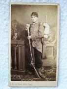 Ancienne Photo CDV Soldat Du 111e Régiment D'Infanterie Vers 1870 / Photographe L. LAPORTE Palais Royale - Photographs