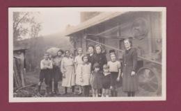 271117 - PHOTO Années 1930 - Scène Agricole - Ferme Moissonneuse Batteuse - Tracteurs