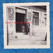 Photo Ancienne - HONGRIE / HUNGARY - Beau Magasin Diebold Janos Szatocs Uzlete - Budapest ? Metier Work Shop Fuszer - Berufe
