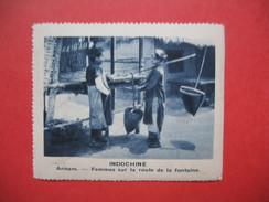 Chromo Image Vignette  Indochine - Annam - Femmes Sur La Route De La Fontaine -  6.5 X 7.5 Cm - Chromos