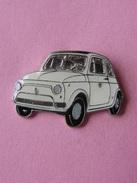 PIN'S  ANCIENNE  FIAT 500  BLANCHE     -  Automobile - Fiat  (3) - Fiat