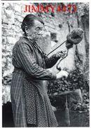 CPM - Mme BESSAC File La Laine - SAINT MICHEL DE COURS 46 Lot - Phot J-L. NESPOULOUS - Scans Recto-Verso - Craft