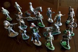 Quiralu Aludo - Lot Dix Huit Figurines - Quiralu