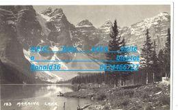 Cp Amérique Du Nord CANADA Env LAKE LOUISE Lac MORAINE  ( Pré Bois Forêt Arbre Pin Montagne ) - Lac Louise