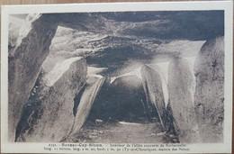 Beuzec Cap Sizun.intérieur De L'allée Couverte De Kerbannalec.dolmen.édition Le Doare - Beuzec-Cap-Sizun