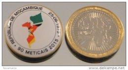 Mozambique 2015 Bimetal Couleurs Drapeau - Mozambique