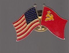 Pin's -   DRAPEAU ETATS UNIS  / URSS - Golf