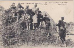 CPA N° 236 DANS UN VILLAGE DE LA MEUSE UNE ALERTE - Guerra 1914-18