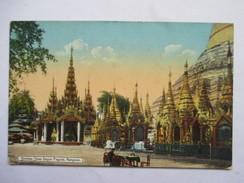 BIRMANIE  -  RANGOON -  SHRINES SHWE DAGON PAGODA      1 TROU DE VER - Cartes Postales