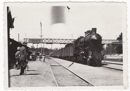 Amateur Photo !!  9X6 Cm Hungary Gödöllő Railway Station 1933 Jamboree  Arrived Boy Scouts - Pfadfinder-Bewegung