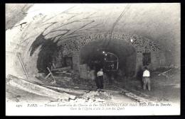 CPA ANCIENNE FRANCE- PARIS (75)- TRAVAUX DU MÉTRO- TRAVAUX SOUTERRAINS PALAIS ROYAL PLACE DU DANUBE TRES GROS PLAN ANIMÉ - Stations, Underground