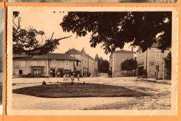 Z041, Chenay-le-Chatel, Le Haut De La Place, Animée,  Circulée 1939 - France