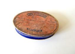 """"""" A LA MARGUERITE """"   Veilleuses De L'Avenir.  Boite Carton Ovale N°16 De 50 Veilleuses, Contenant Encore 24 Veilleuses. - Boîtes"""
