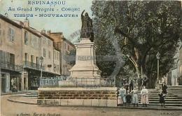 /! 2137 - CPA/CPSM - 83 : Hyères : Place De La République (Pub Espinassou, Cognac) - Hyeres