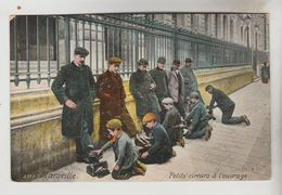 CPA MARSEILLE (Bouches Du Rhone) - PETITS METIERS : Petits Cireurs à L'ouvrage - Petits Métiers