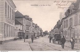 Carte Postale Ancienne De L'Yonne - Tonnerre - La Rue Du Pont - Tonnerre