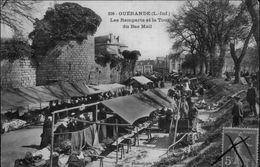 44 - GUERANDE - Remparts - Marché - Guérande