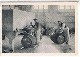 51 Reims Le Vin Sortant Du Pressoir Est Recu Dans Une Cuve  Est Mis En  Tonneaux Maison  Louis Roederer   TBE  1H271 - Reims
