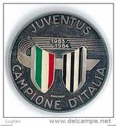 MEDAGLIA UFFICIALE ZECCA IPZS - ANNO 1983/1984 JUVENTUS CAMPIONE D'ITALIA DIAMETRO 35 Mm - ARGENTO E SMALTO Ag 986 - Altri