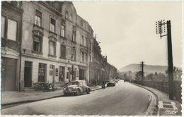57) ROMBAS  : Rue De La Gare - Renault Dauphine - Enseigne AMOS - France