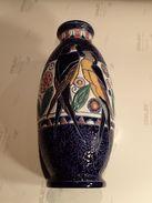 """VASE ART-DECO CERAMIQUE TCHECOSLOVAQUIE AMPHORA """"LES HIRONDELLES""""  HAUTEUR 295cm DIAMETRE 140cm - Ceramics & Pottery"""