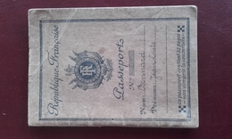 PASSEPORT - Papiers D'identité De Jean Louis Donnard Né à Trégourez Finistère - 1931 - Non Classés