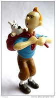 FIGURINE TINTIN - Avec Milou Dans Un Sac Sur Son Dos MOULINSART (2) - Tintin