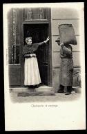 CPA PRECURSEUR FRANCE- PARIS (75)- ??-  PETITS METIERS- CHARBONNIER ET CONCIERGE EN 1900- TRES GROS PLAN - Petits Métiers à Paris