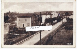 69. St GENIS LAVAL - Le CLOS RIVAL - La Rue Du LAC - 631117 - France