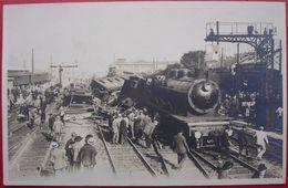 80 - Carte Photo - AMIENS - Deraillement - Accident - Train - Catastrophe - Locomotive - Amiens