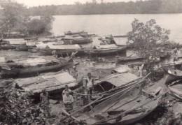Village Moros Pres De Zamboanga Bateaux Vinta Ancienne Photo Amateur 1945 - Boats